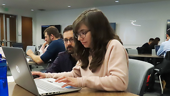 Student attending Command Line Workshop in Mudd Library